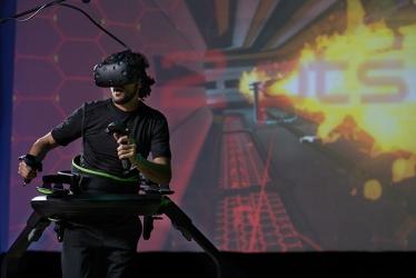 Wirtualna Rzeczywistość - Bieżnia Virtuix Omni