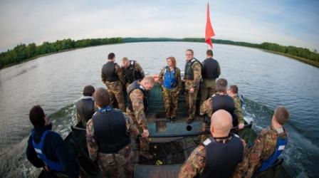 Pływanie Amfibią Gąsienicową PTS-M (do 50 Osób)