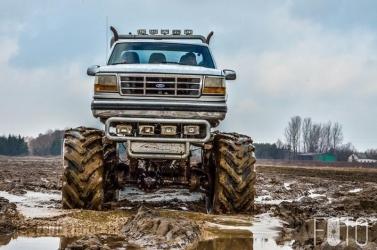 Jazda za Kierownicą Monster Trucka dla 2 Osób - 15 Minut...