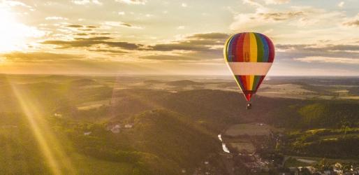 Lot widokowy balonem w Weekend.